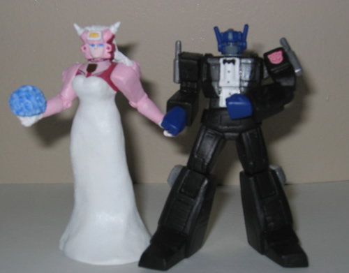 Superhero-Wedding-Transformers-cake-topper