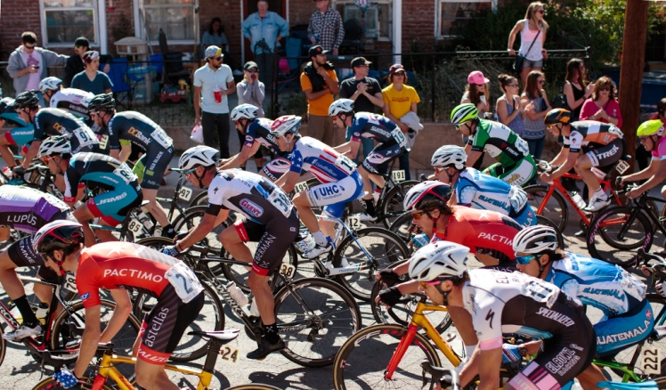 men's crit going over the top of the backside hill.